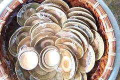 Đào móng nhà được cả kho cổ vật
