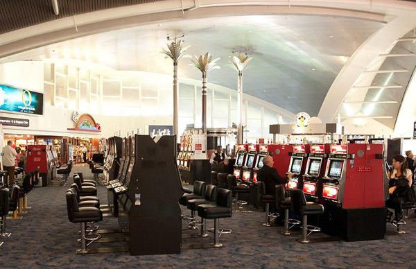 sân bay, hành khách, sân bay quốc tế, hãng hàng không, mua sắm, tiện ích, hành-khách, chậm-chuyến, sân-bay, tiện-ích, miễn-phí, bể-bơi, xem-phim