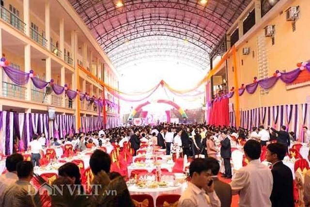 Tiệc cưới quá lớn, cán bộ có thể bị khai trừ Đảng