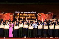 12 năm 'trải thảm đỏ', Hà Nội tuyển được 89 thủ khoa xuất sắc