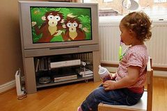 Dấu hiệu chính xác khi con bạn đang xem tivi quá nhiều