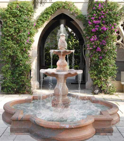 Độc đáo muôn kiểu đài phun nước cho sân vườn