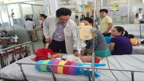 Hô hấp và sốt xuất huyết tăng cao, viện nhi quá tải