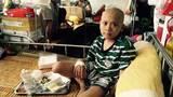 Thương cậu bé 9 năm chống chọi bệnh ung thư