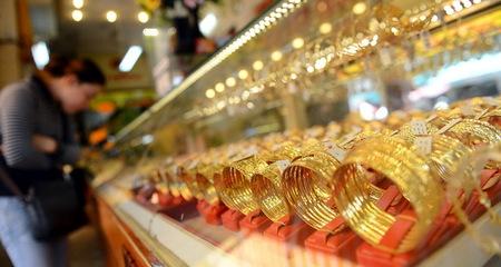 Vàng 'điên cuồng' lên 35 triệu, USD tiếp tục tăng mạnh