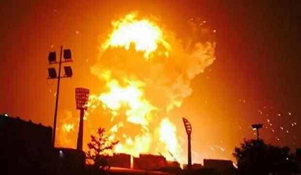 Lính cứu hỏa khiến vụ nổ Thiên Tân kinh hoàng hơn?