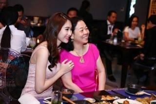 'Mẹ chồng tương lai' của Hoa hậu Đặng Thu Thảo giàu cỡ nào?