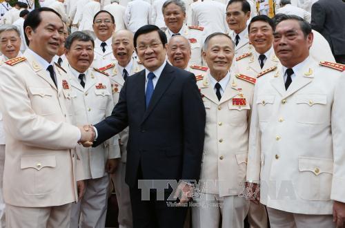 Chủ tịch nước gặp các thế hệ tướng Công an