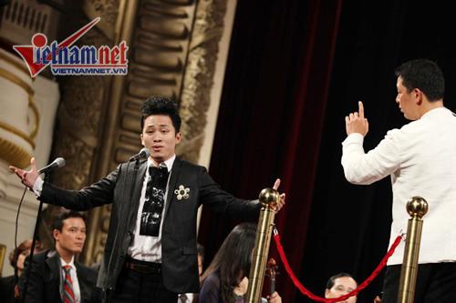 Tùng Dương: 'Nghệ sĩ chân chính luôn có sự kiêu hãnh ngầm'