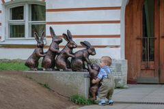 Những bức tượng khiến trẻ em thích mê