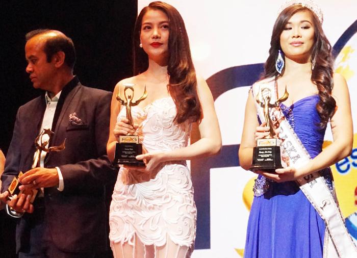 """Trương Ngọc Ánh đoạt """"Nữ diễn viên xuất sắc nhất"""" tại LHP thế giới"""