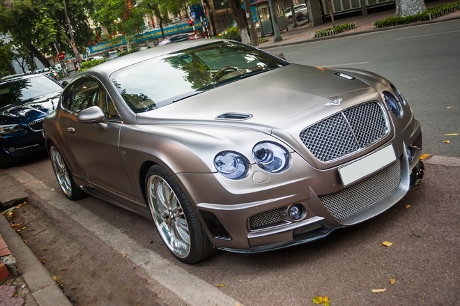 Siêu xe Bentley độ độc nhất Việt Nam xuất hiện tại Hà Nội