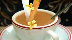 Tuyệt chiêu chống ố răng khi uống trà