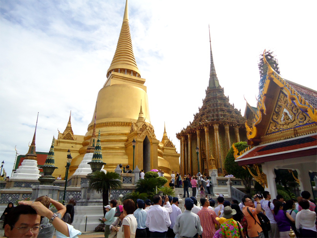 Lo nổ bom, lữ hành Việt hủy tour sang Thái