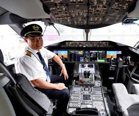 """Gặp phi công lái """"giấc mơ bay"""" Boeing 787-9 từ Mỹ về Việt Nam"""
