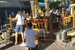 Đền Erawan tái mở cửa, nhiều nước khuyến cáo tới Thái Lan