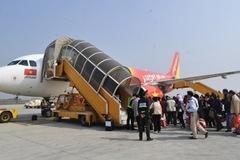 Hành khách tự rạch tay, ăn vạ ở sân bay