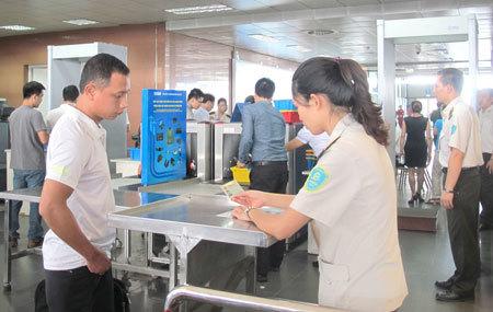Không được lên máy bay vì 'mượn tên' người khác mua vé