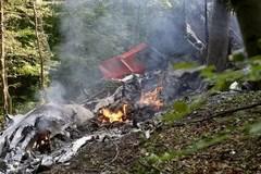 Máy bay đâm nhau, hàng chục thương vong