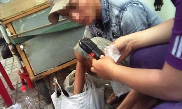 Chợ ngầm hàng nóng chết người giữa Sài Gòn