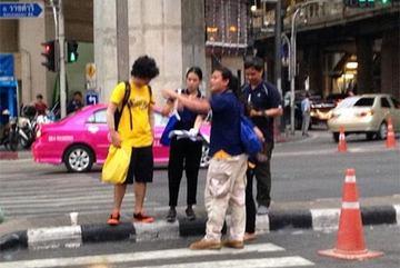 """""""Nghi phạm"""" đánh bom Bangkok quay lại hiện trường?"""