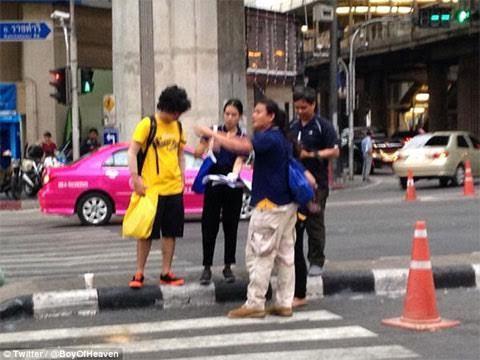 'Nghi phạm' đánh bom Bangkok quay lại hiện trường?