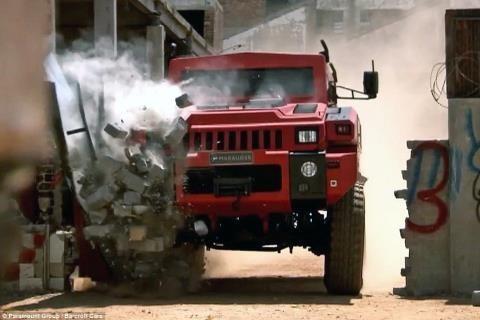 siêu xe, bọc thép, phô diễn sức mạnh