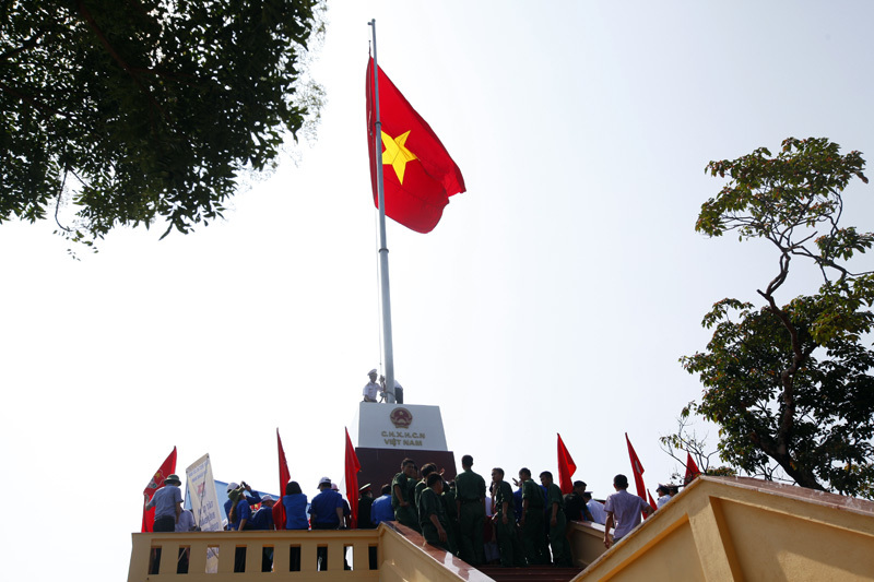 Thượng cờ Tổ quốc nơi đảo tiền tiêu - 4