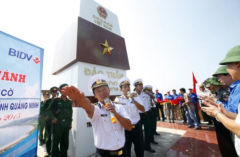 Thượng cờ Tổ quốc nơi đảo tiền tiêu - 6