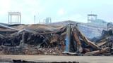Xưởng gỗ rộng hàng ngàn m2 bị thiêu rụi trong chốc lát