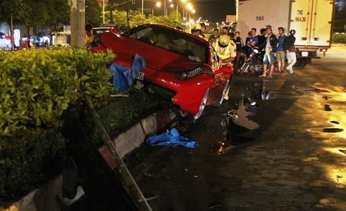 Vụ việc xảy ra vào khoảng 23h45, trên đường Điện Biên Phủ (đoạn thuộc phường 25, quận Bình Thạnh, TP HCM)