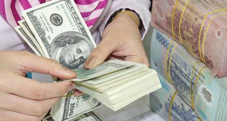 USD chợ đen tăng lên 22.900: NH giữ kịch trần