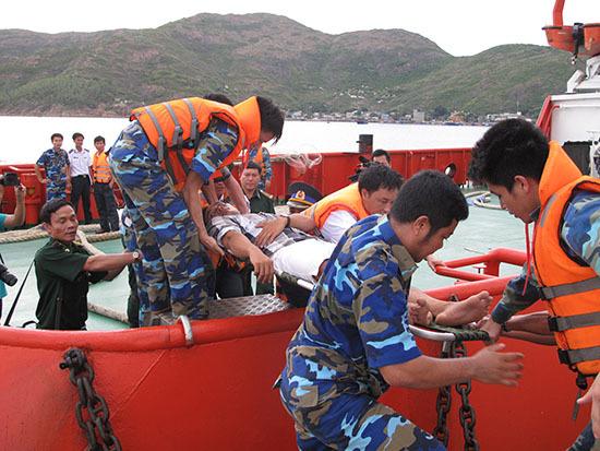 Tàu cá gặp nạn, 7 thuyền viên mất tích trên biển
