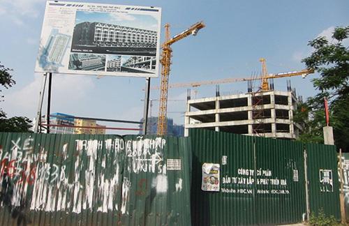 Hà Nội: Dự án nợ thuế không được cấp 'sổ đỏ'