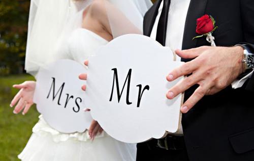 Đã một lần li hôn, mẹ tôi lại muốn kết hôn với người nước ngoài