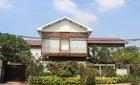 """Biệt thự """"không móng"""" làm từ 28 chiếc container tại Sài Gòn"""