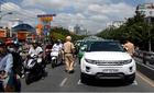 Siêu xe tiền tỷ bị nạn trên cầu vượt thép ở Sài Gòn
