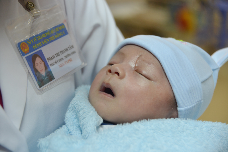Ngày về hạnh phúc của bé sơ sinh bị đâm xuyên sọ
