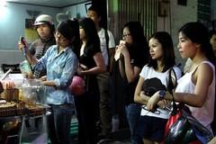 Quán chảnh phải xếp hàng cấm giục giã hiếm có ở Sài Gòn