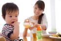 """Sai lầm """"bất ngờ"""" của bố mẹ khiến trẻ biếng ăn"""