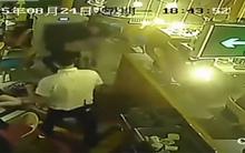 10 clip 'nóng': Nữ khách bị giội nước lẩu sôi lên người
