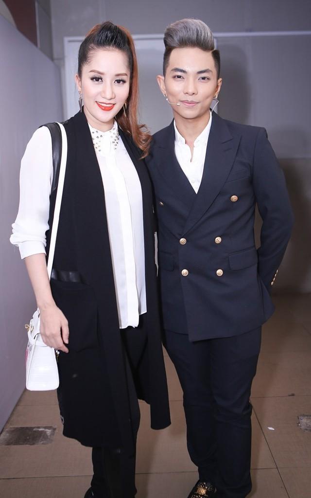 Phan Hiển: 'Tôi và chị ấy đều rất bận nên vẫn chưa tính đến đám cưới'