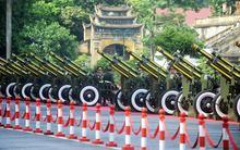 Dàn pháo sẵn sàng bắn đại bác mừng Quốc khánh