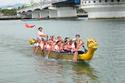 Hàng ngàn người chen chân xem đua thuyền trên sông Hàn