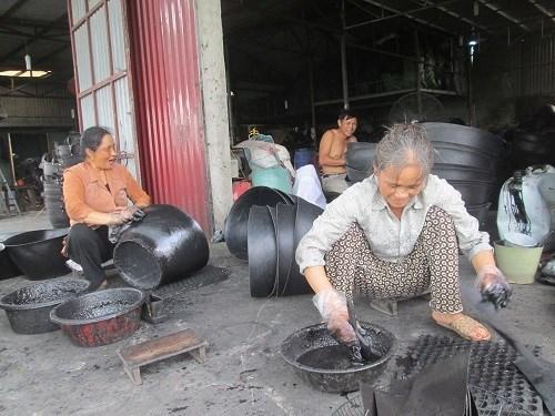 'Vua lốp' thời mới, ở làng quê mỗi năm kiếm chục tỷ