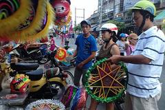 'Cuộc chiến' giữa lồng đèn Việt và lồng đèn Trung Quốc
