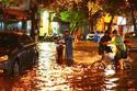 Hà Nội mưa rào và dông, nguy cơ ngập lụt