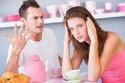 Chồng cuồng ghen đánh cả bố vợ