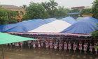 Trường đón huân chương, trò ngơ ngác trong lễ khai giảng