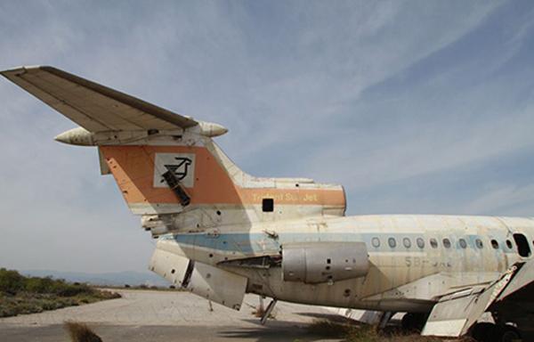 Ớn lạnh sân bay chục triệu USD xây rồi bỏ hoang